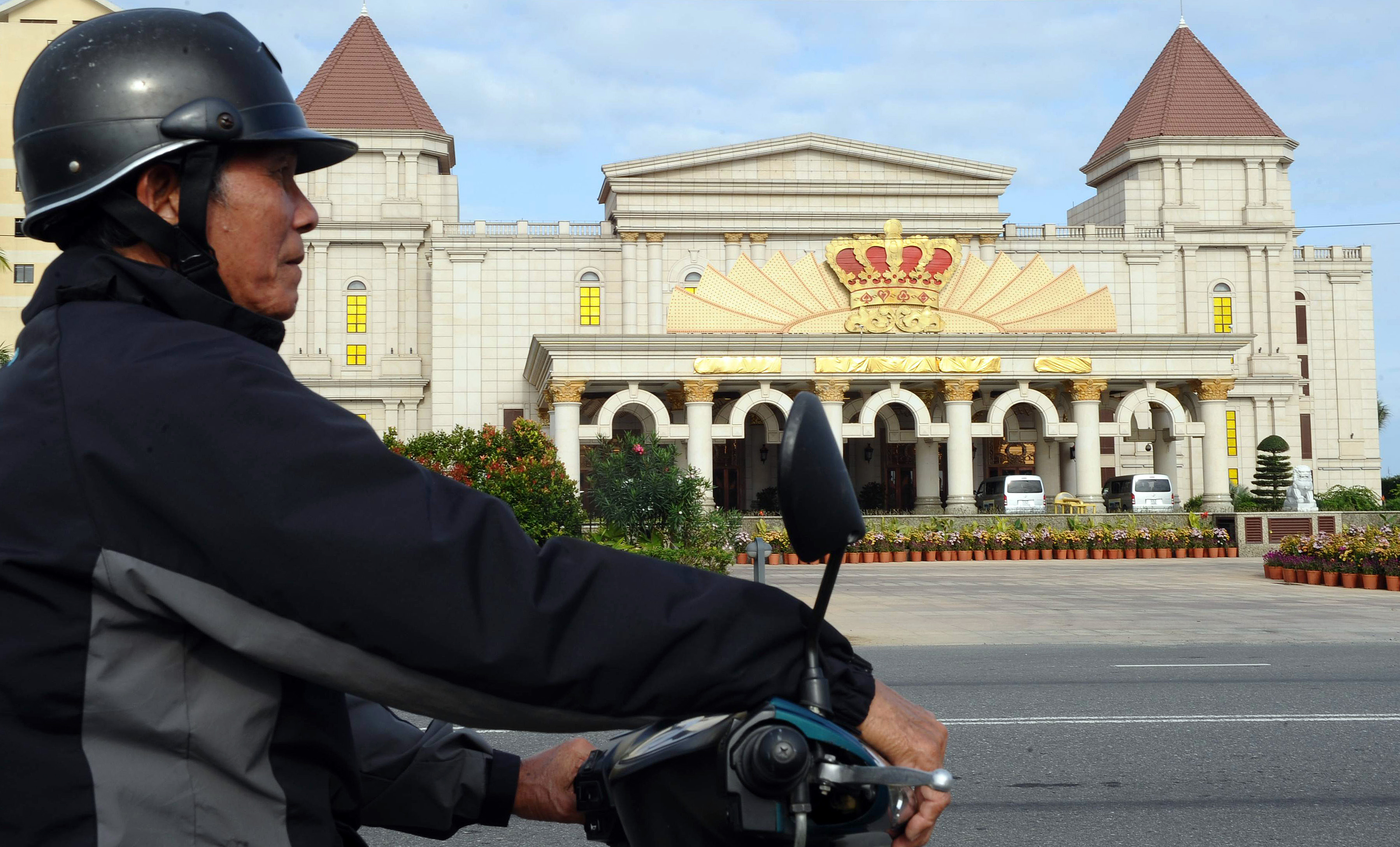 Vietnam refuses to lift casino ban on locals and foreign