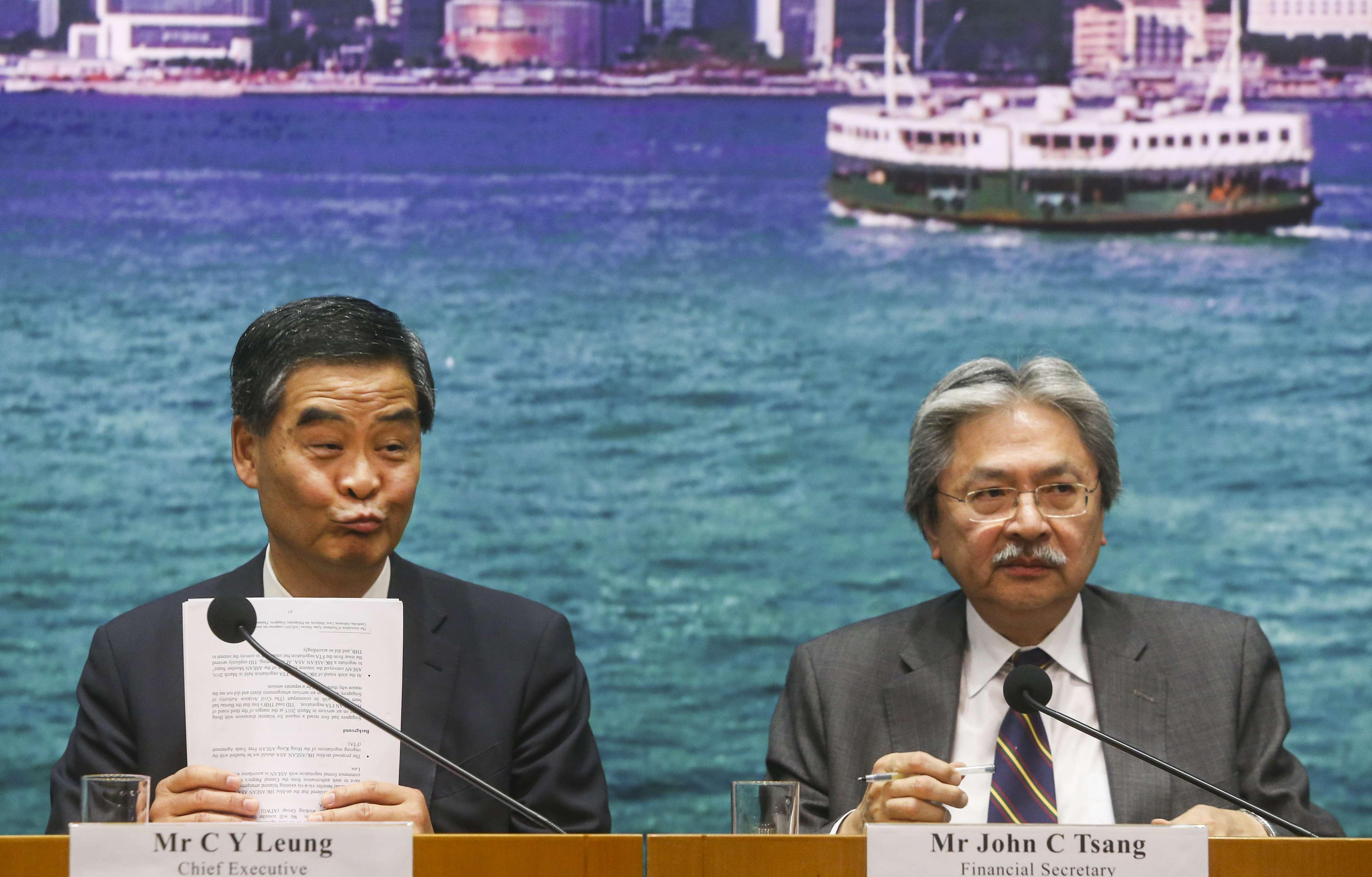 Hong Kong chief executive made call on housing project at