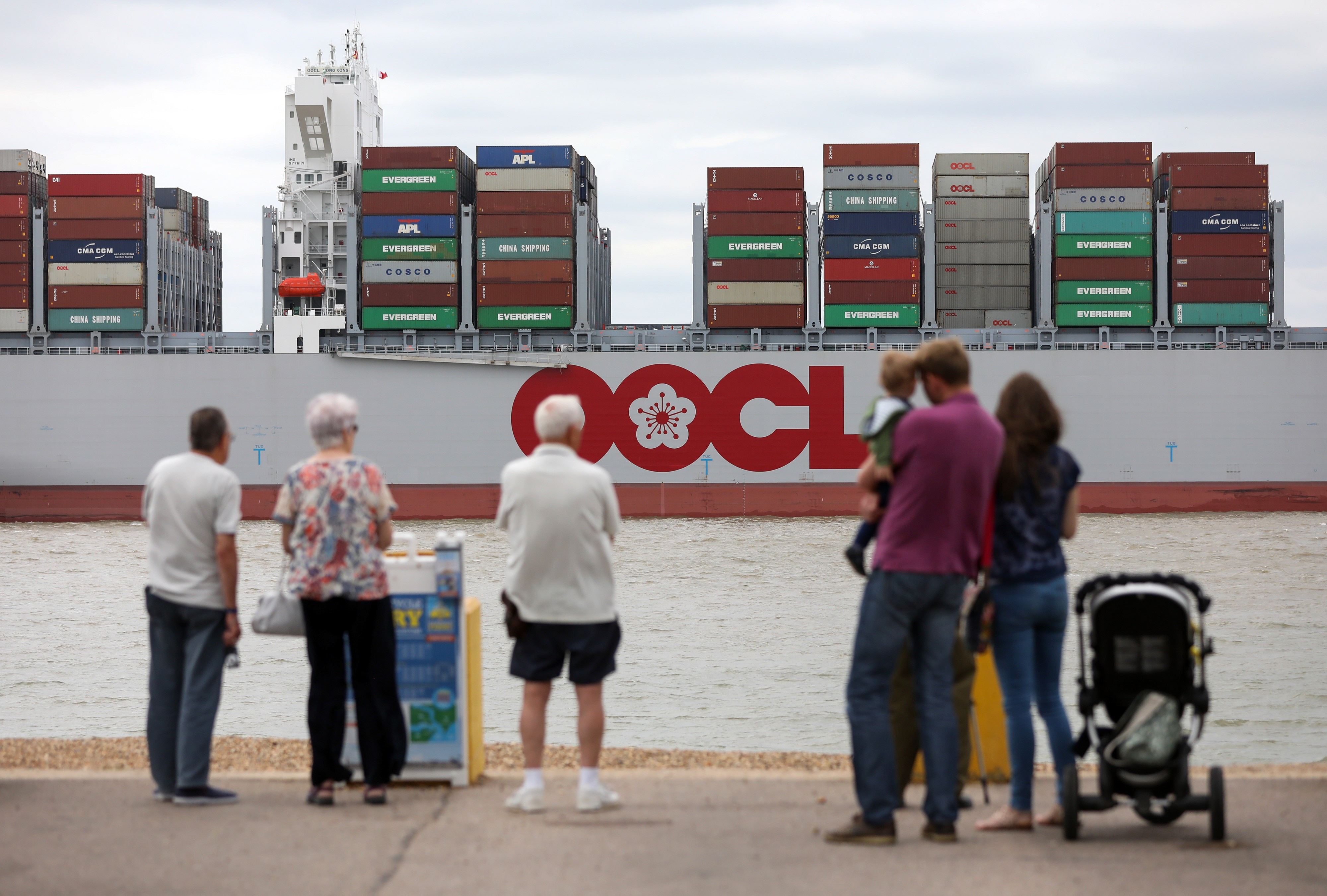 Cosco set to become third largest shipping operator after