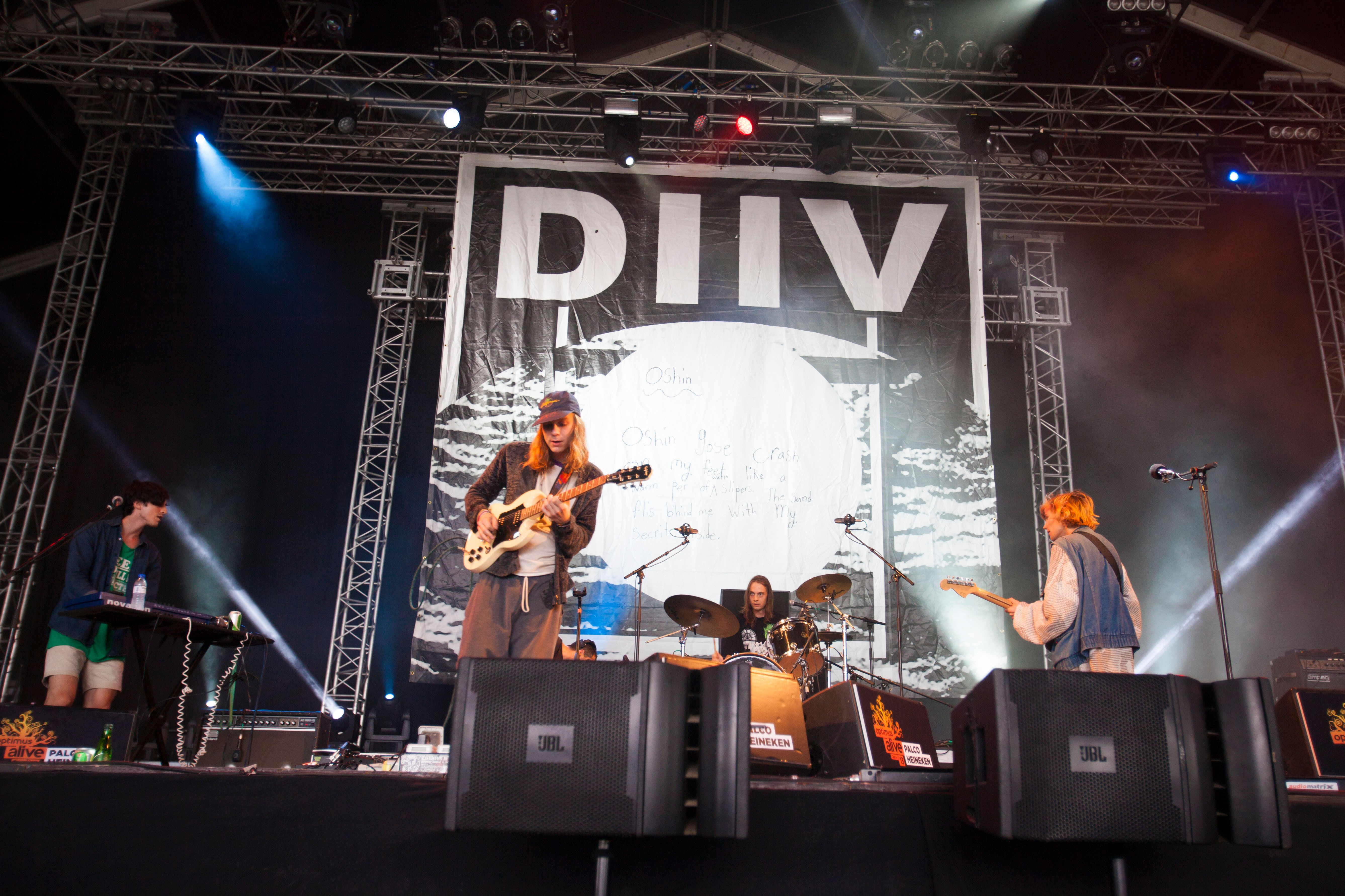 Is the Is Are – American indie rockers Diiv delve deep into