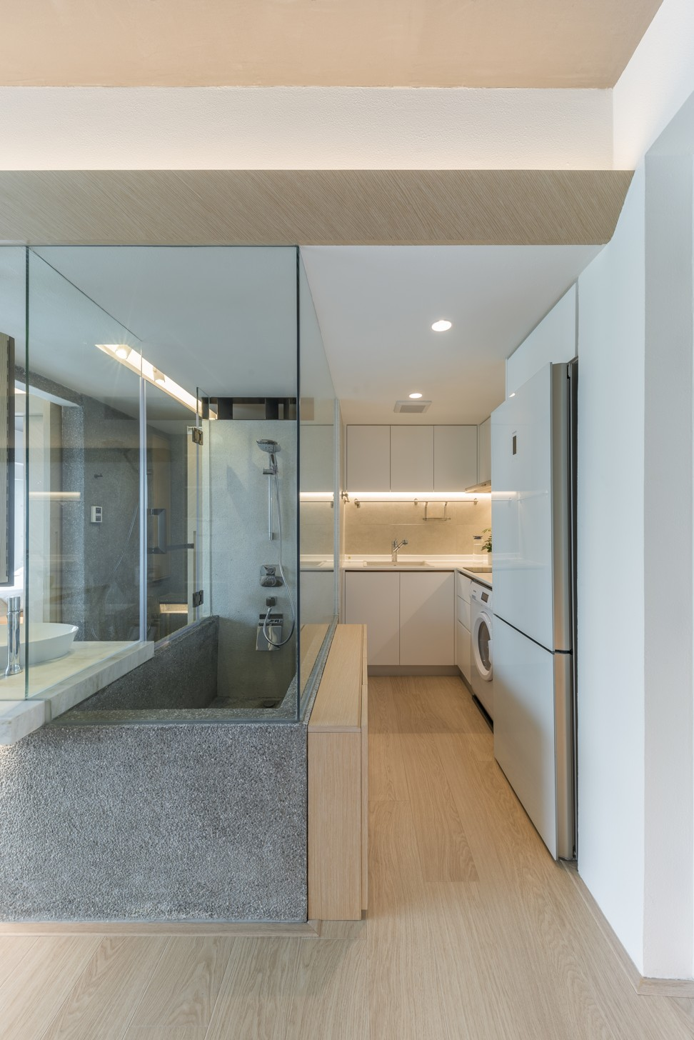 Hong Kong Extreme Makeover Has Glass Wall Bathroom As Flat