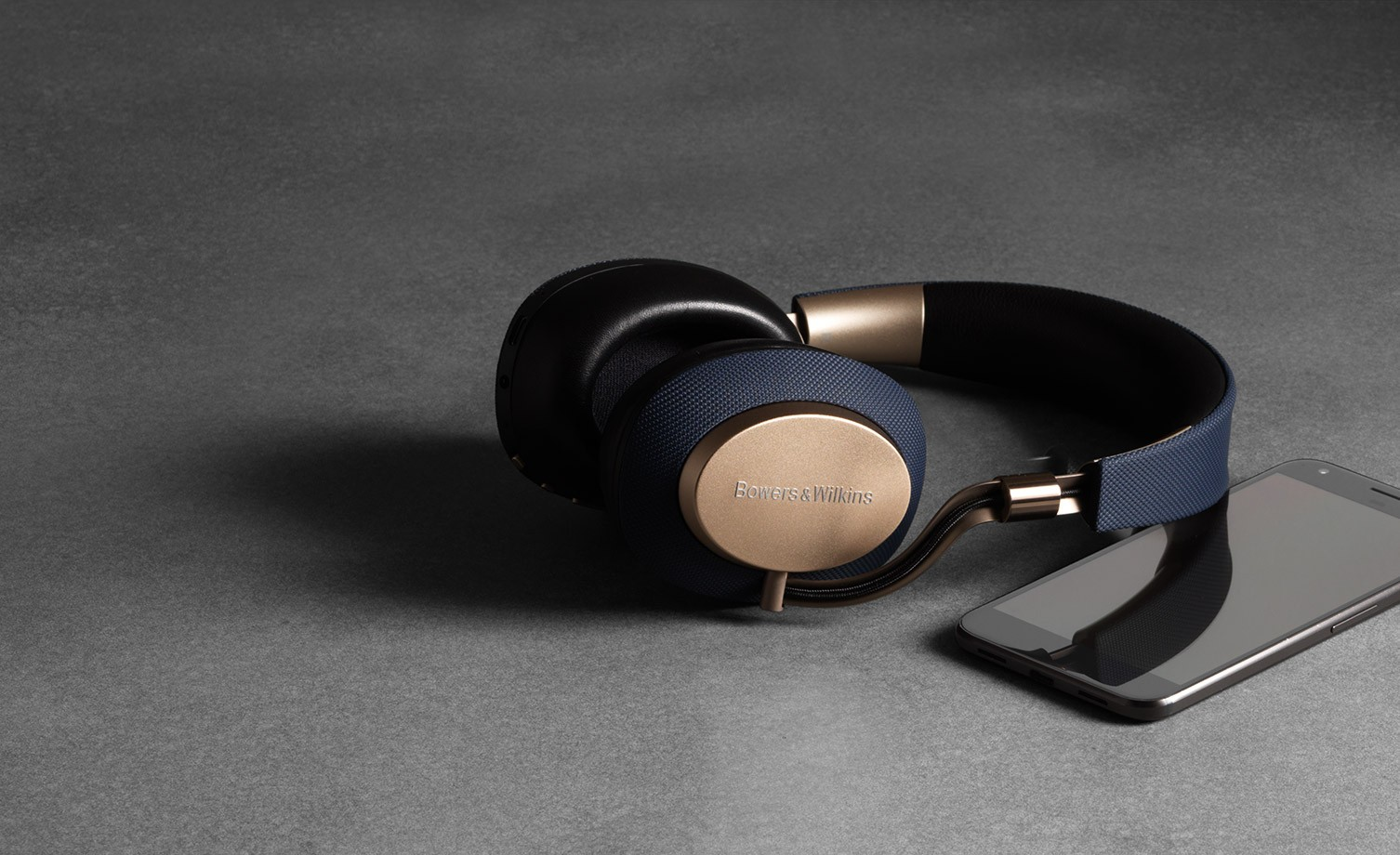 941fbc2f2c4 Five best noise-cancelling headphones for the commute, the office and  long-haul flights | South China Morning Post