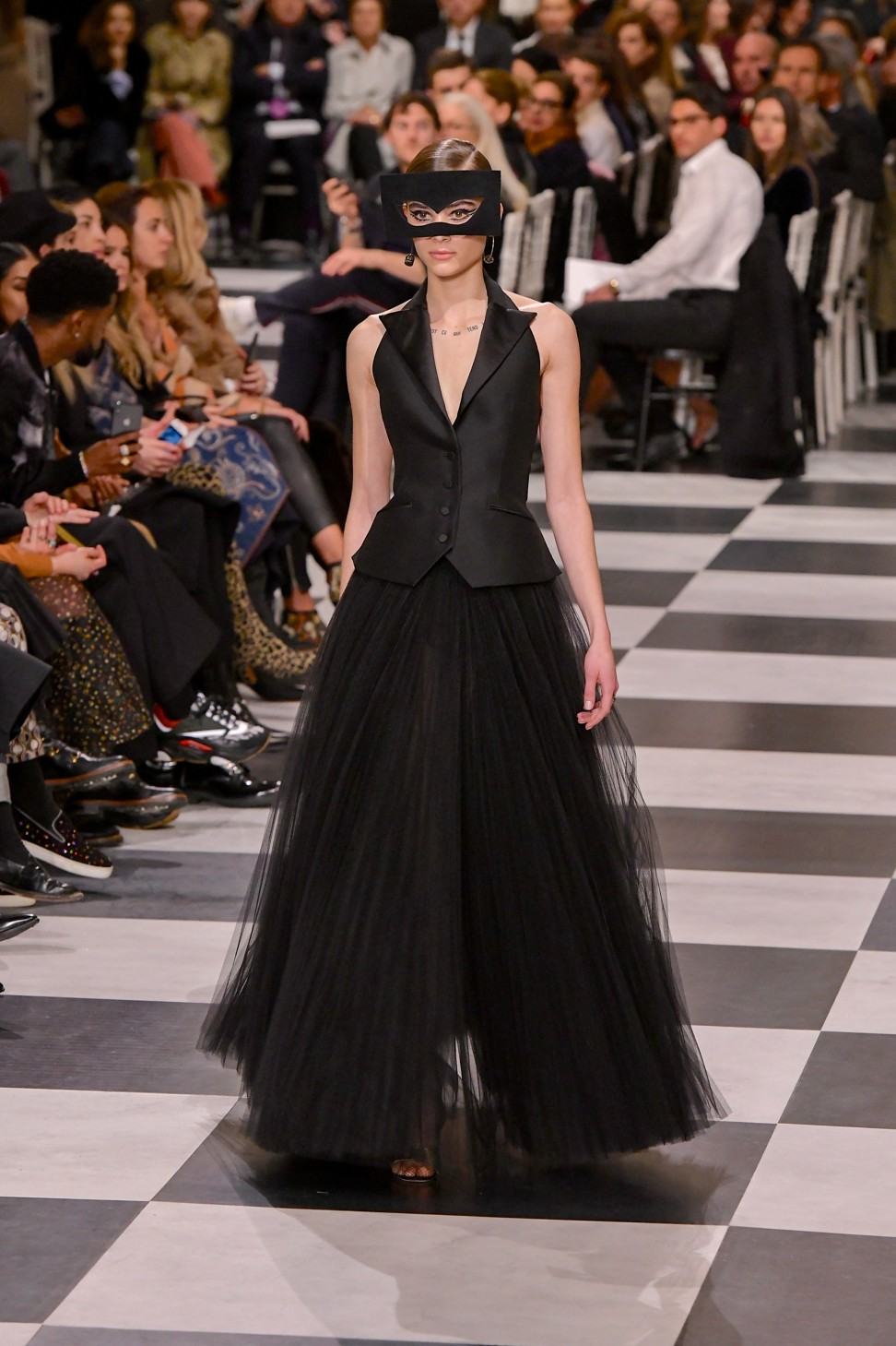 Haute couture week christian dior designer maria grazia for Haute couture clients