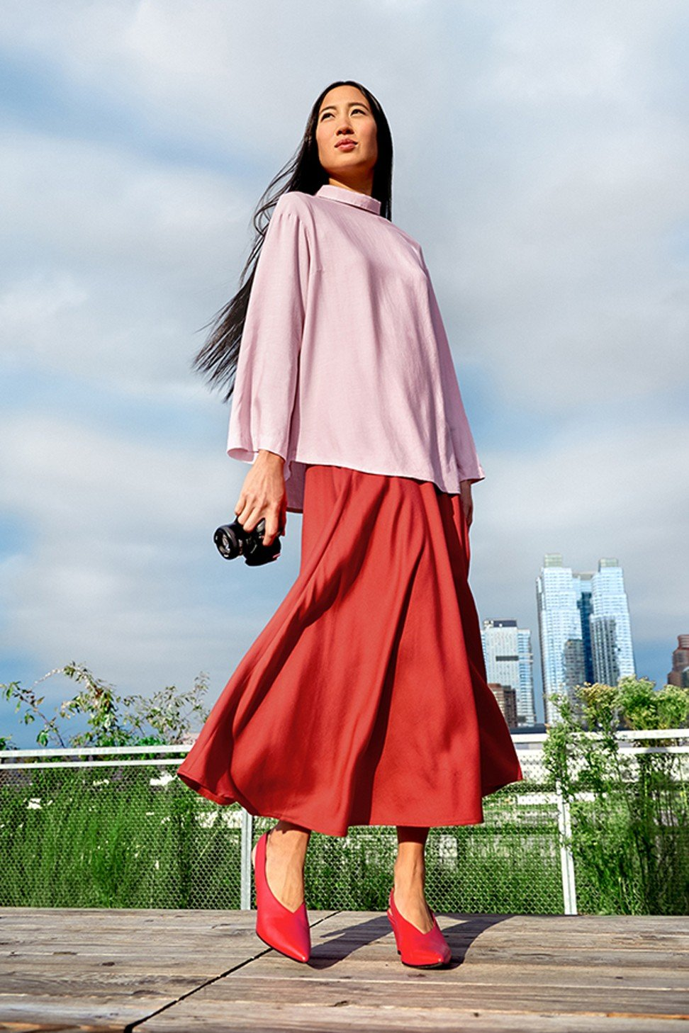 A look from British-Japanese Muslim fashion designer Hana Tajima's spring/summer 2018 collection for Uniqlo.