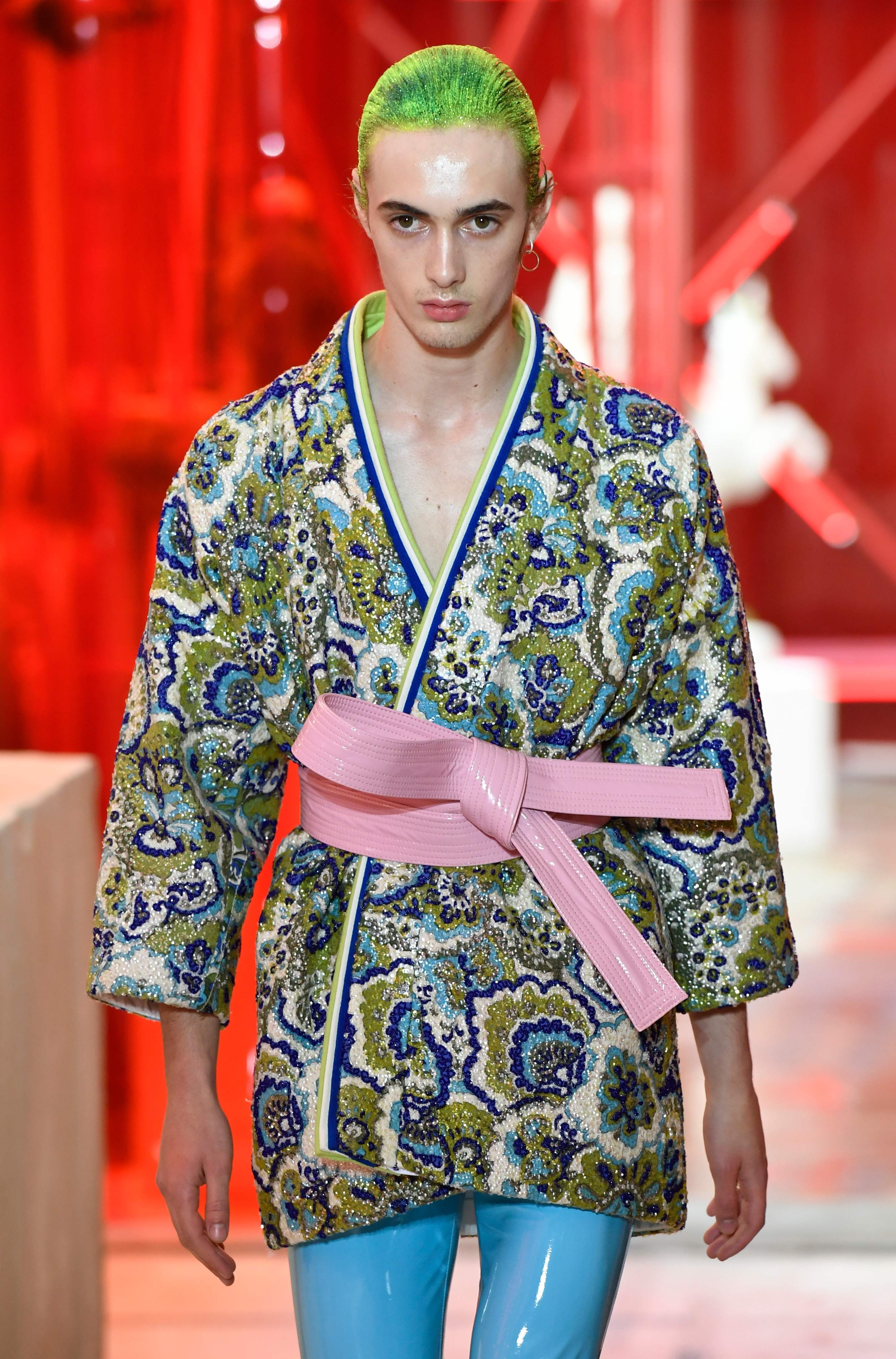 Watch Paris Fashion Week Day 3: Givenchy, Maison Margiela Berluti video