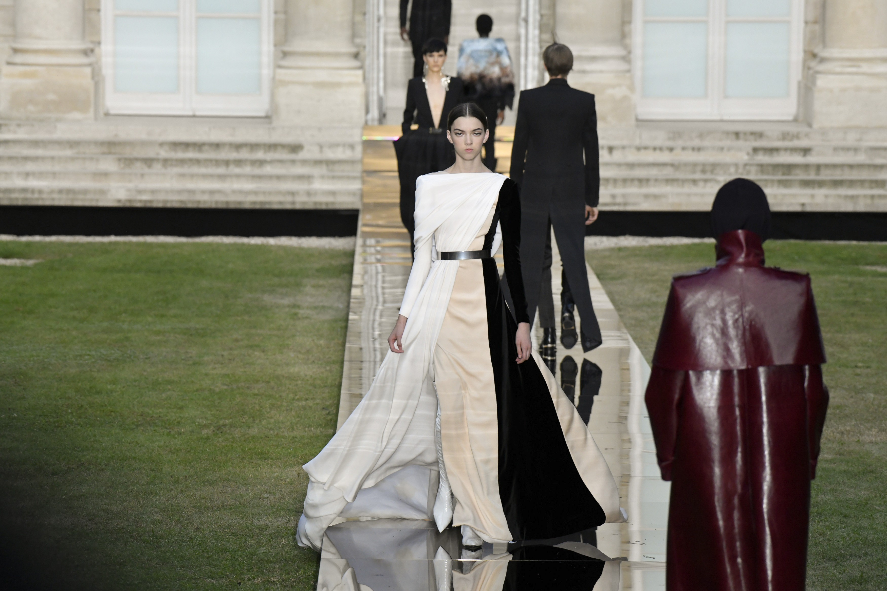 Givenchy Brings Mystery And Old School Hollywood Glamour To Paris