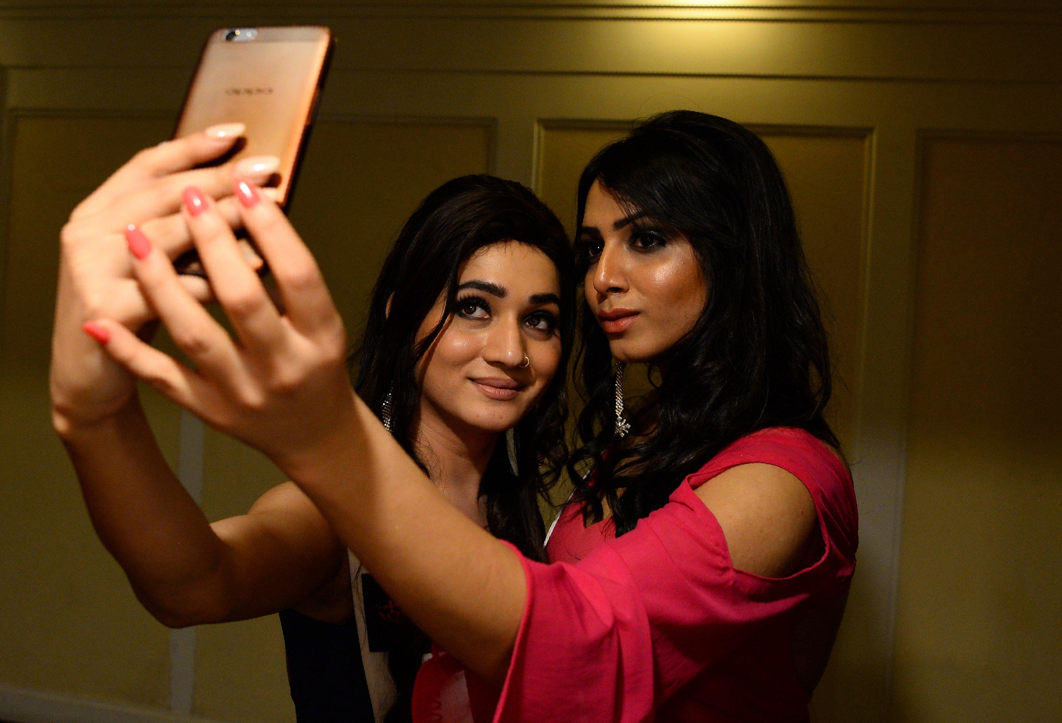 Hijra free mobile videos