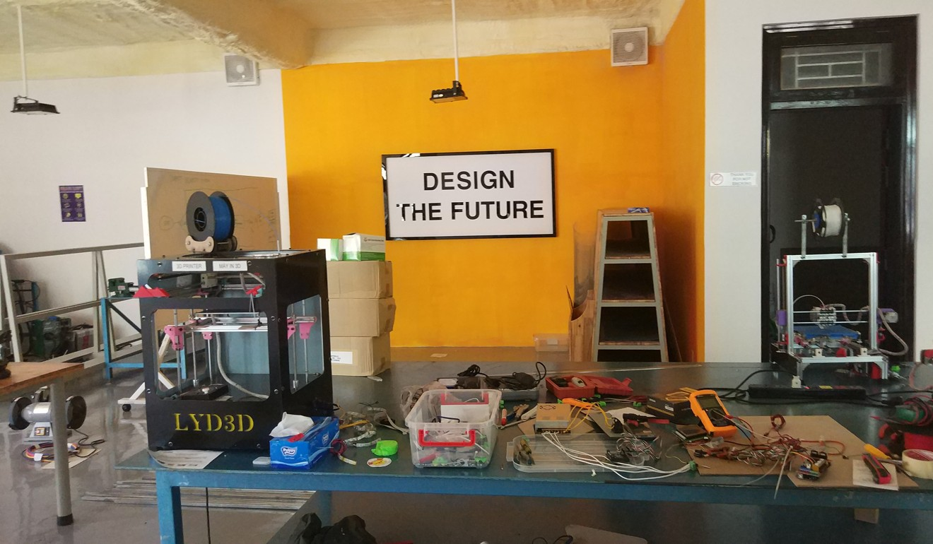 Forget Made In China Say Hello To Vietnam This Week Acb Wiring A Sign Encourages University Students At Maker Innovation Space Da Nang Photo Mai Duong