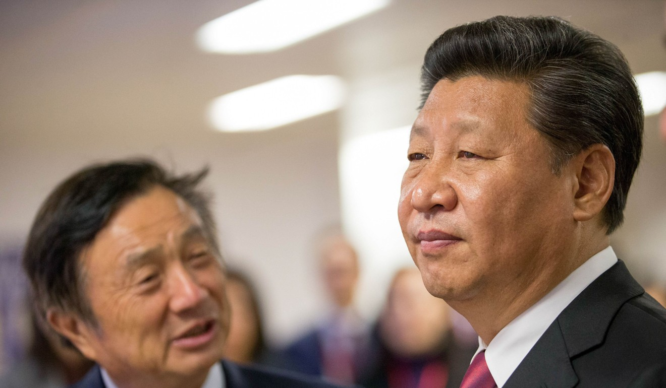 Chinese President Xi Jinping is shown around the offices of Chinese tech firm Huawei Technologies by its President Ren Zhengfei in London during his state visit on October 21, 2015. Photo: AFP