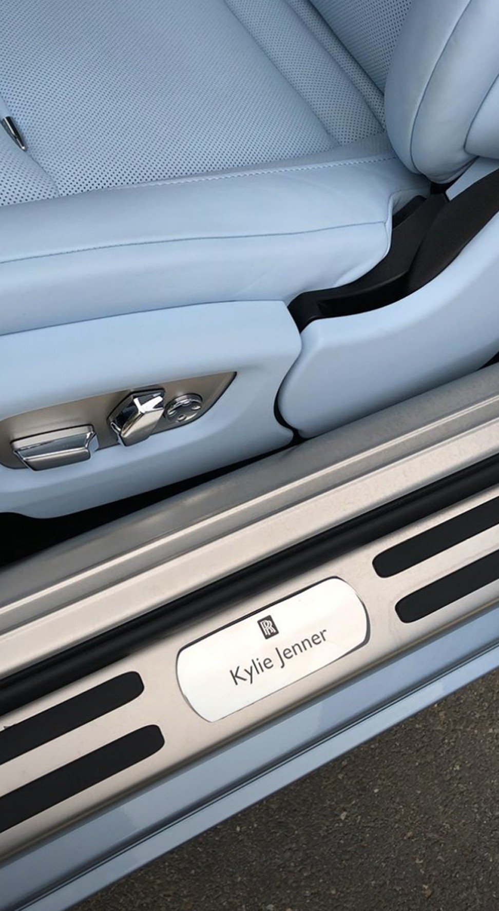 Kardashian S Star Kylie Jenner S First Custom Car Is An Icy Blue Rolls Royce Wraith And It Cost A Meagre Us 320 000 South China Morning Post