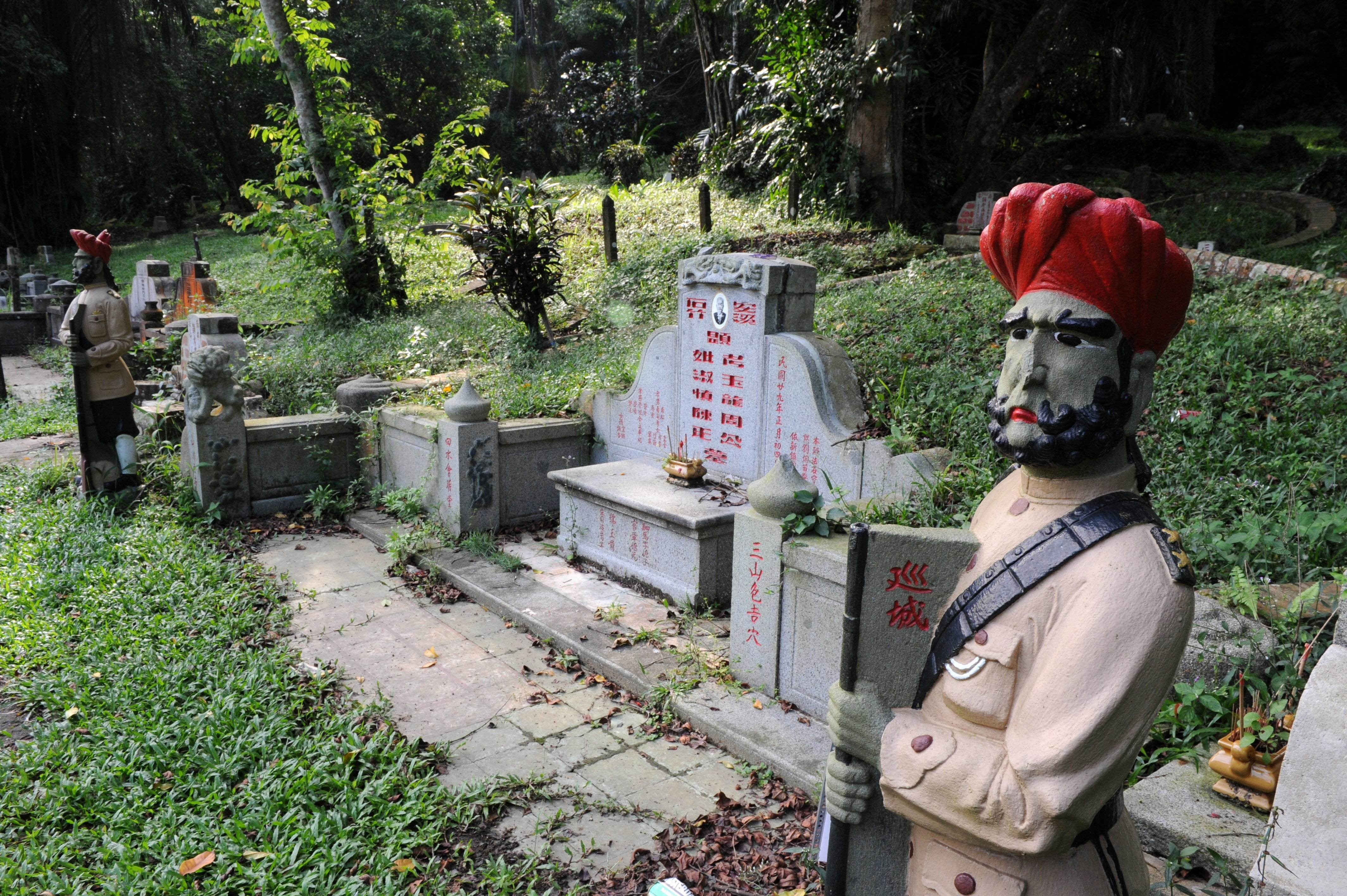 Singapore digs up graves to build new motorways, including Bukit Brown  cemetery where early Chinese immigrants rest | South China Morning Post