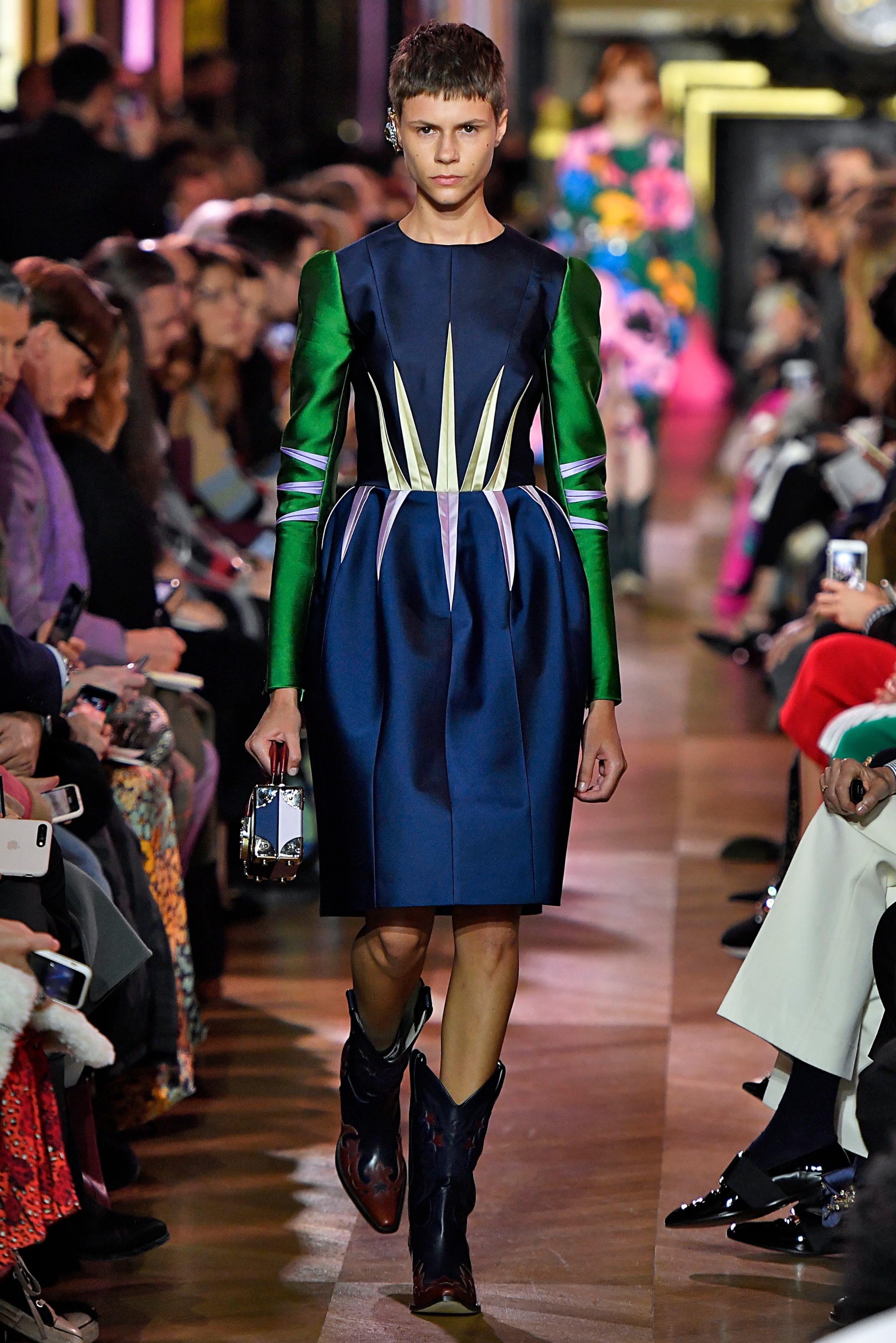 29d60f95a117 Paris Fashion Week  Pregnant supermodel Erin O Connor closes Schiaparelli s  dreamy couture show