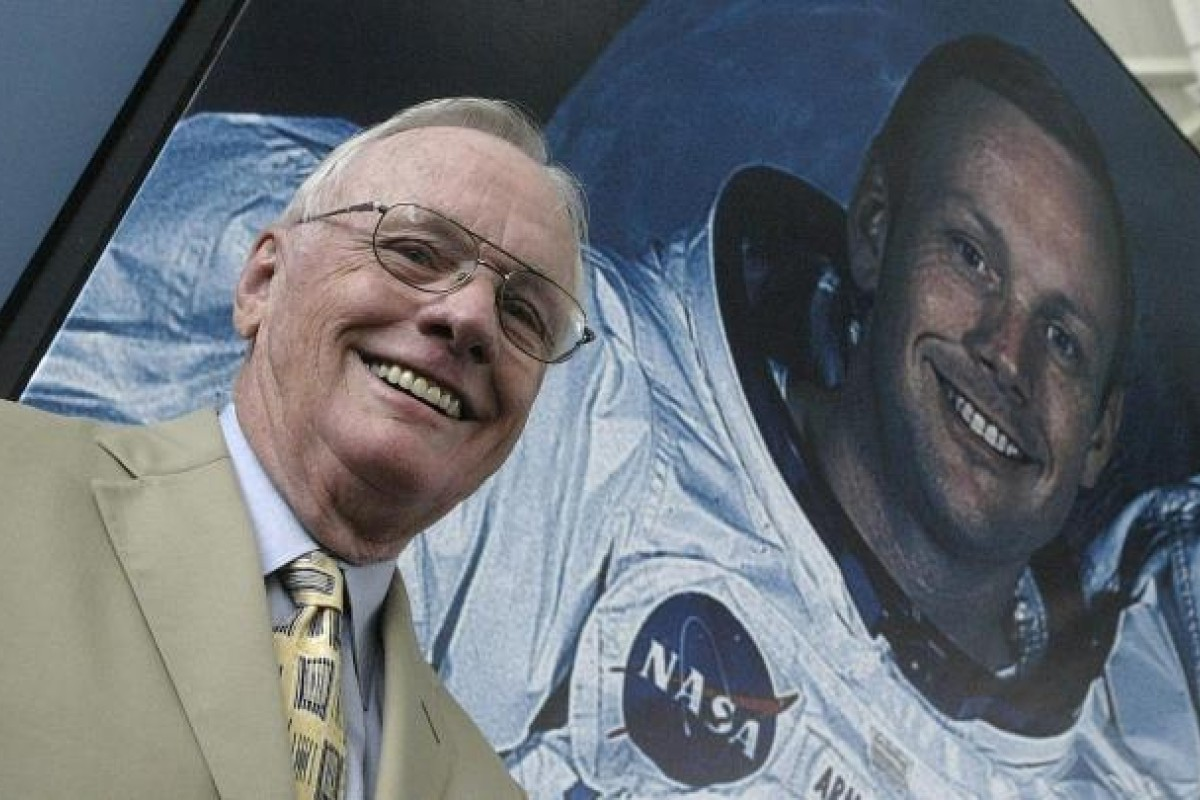 Neil Armstrong, the first man to land on the moon, dies at