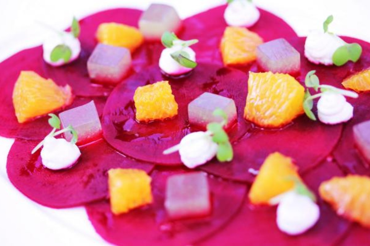 7f697f517d7 Beetroot carpaccio with goat s cheese and a citrus and mint glaze