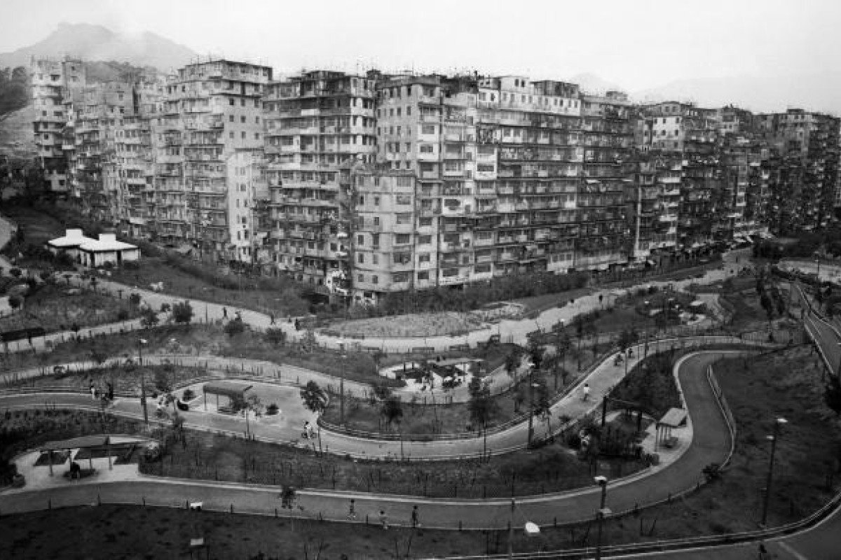 Kowloon Walled City In 1990 Photo Scmp