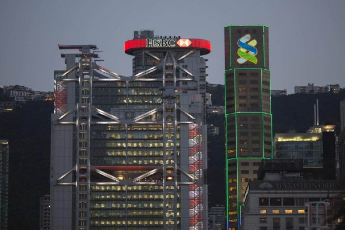 Moody's downgrades Hong Kong banking system to 'negative