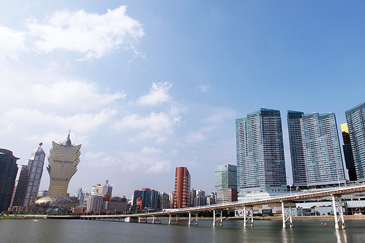 Guangdong studying a free-trade zone to include Hong Kong