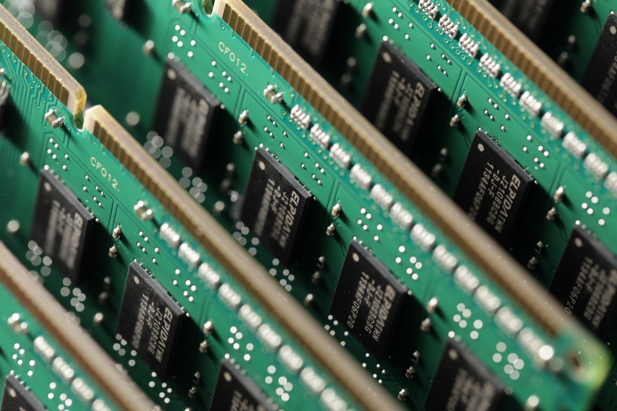 Breakthrough by Chinese researchers could lead to smaller and faster memory  chips | South China Morning Post