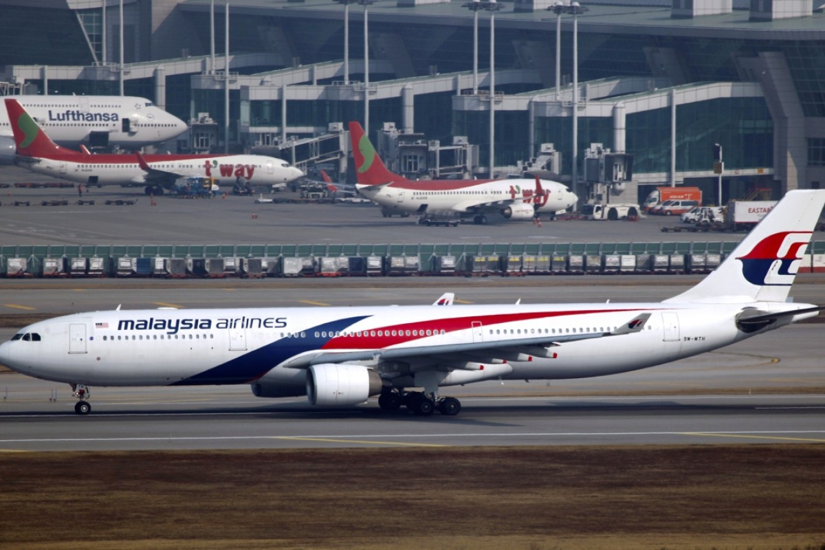 Malaysia Airlines probes off-course Christmas flight bungle