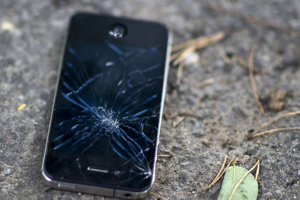 Seeing your smartphone fall to the ground and break is as stressful as public speaking or taking an exam. Photo: Corbis