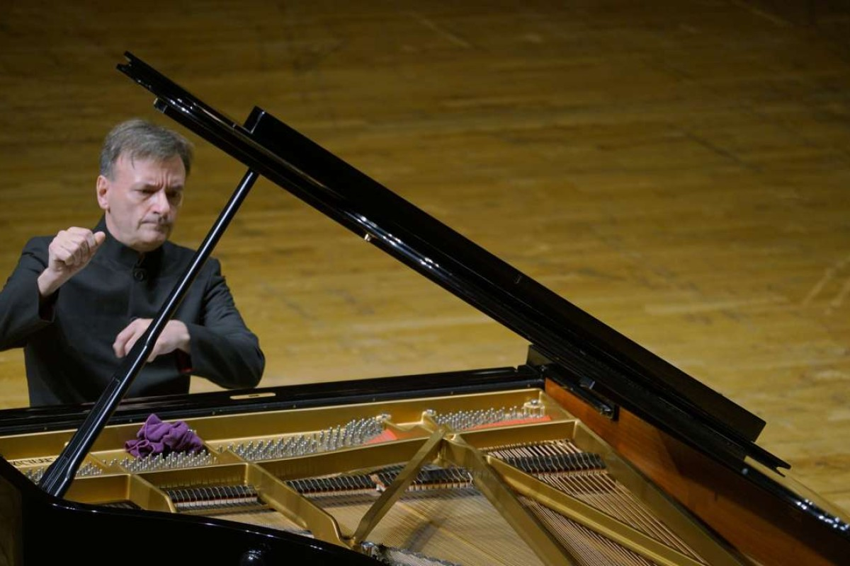 Review: Stephen Hough piano recital - control, clarity and a