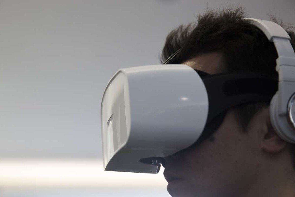4ebc32bc9f68 Next-generation virtual reality headset made by tiny team in Tokyo ...