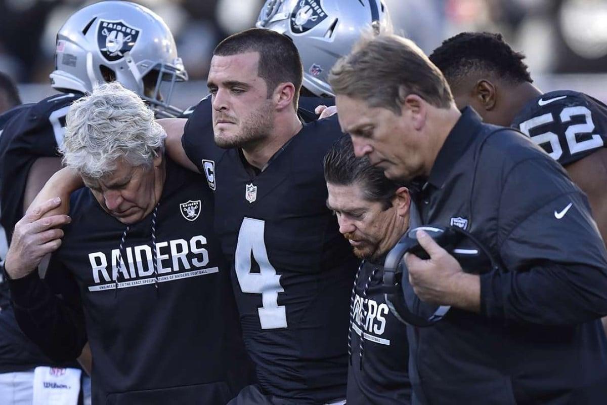 san francisco 4e269 0eabb Oakland Raiders' Super Bowl hopes dim as quarterback Derek ...