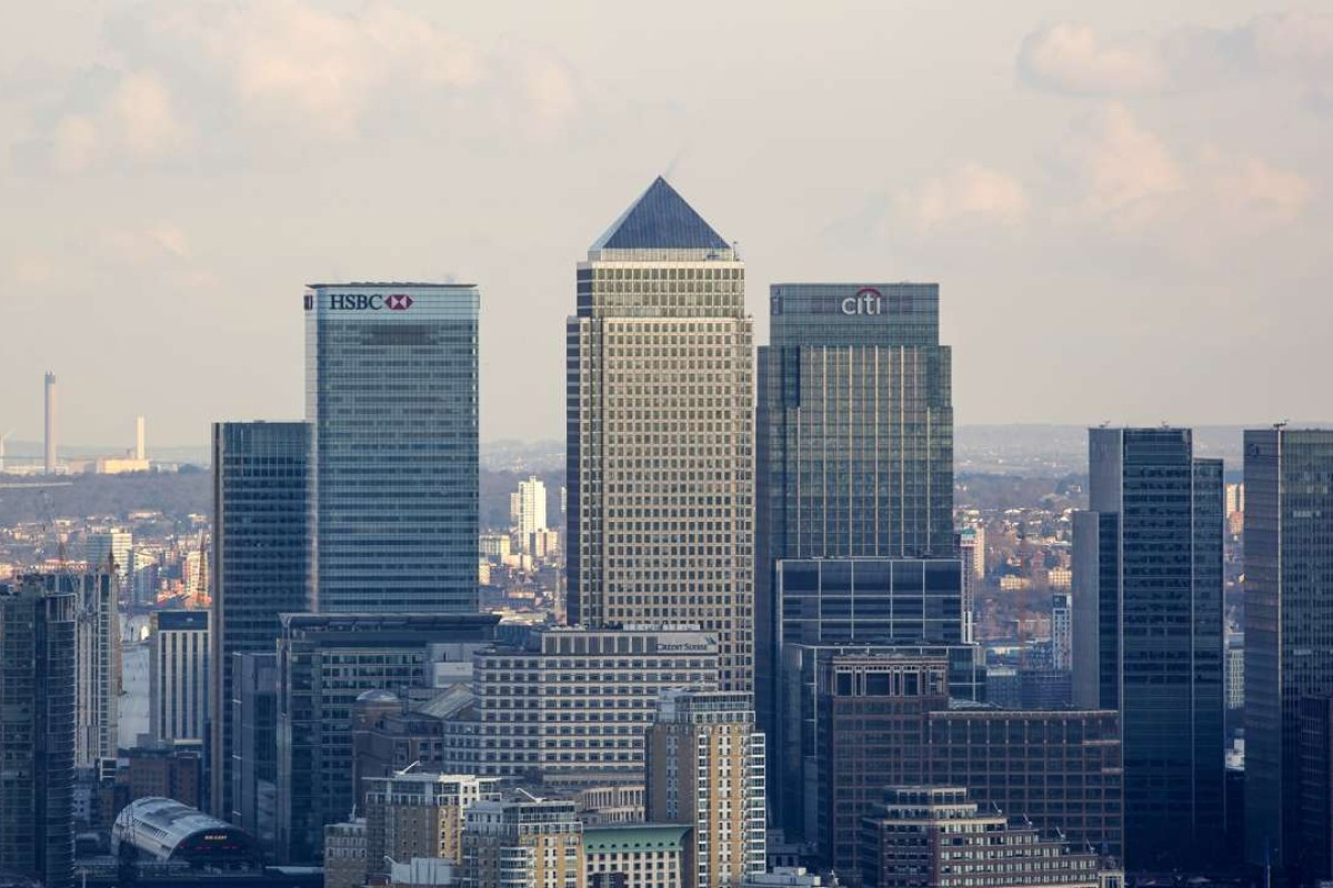 Asian banks unwilling to give up London as Brexit looms
