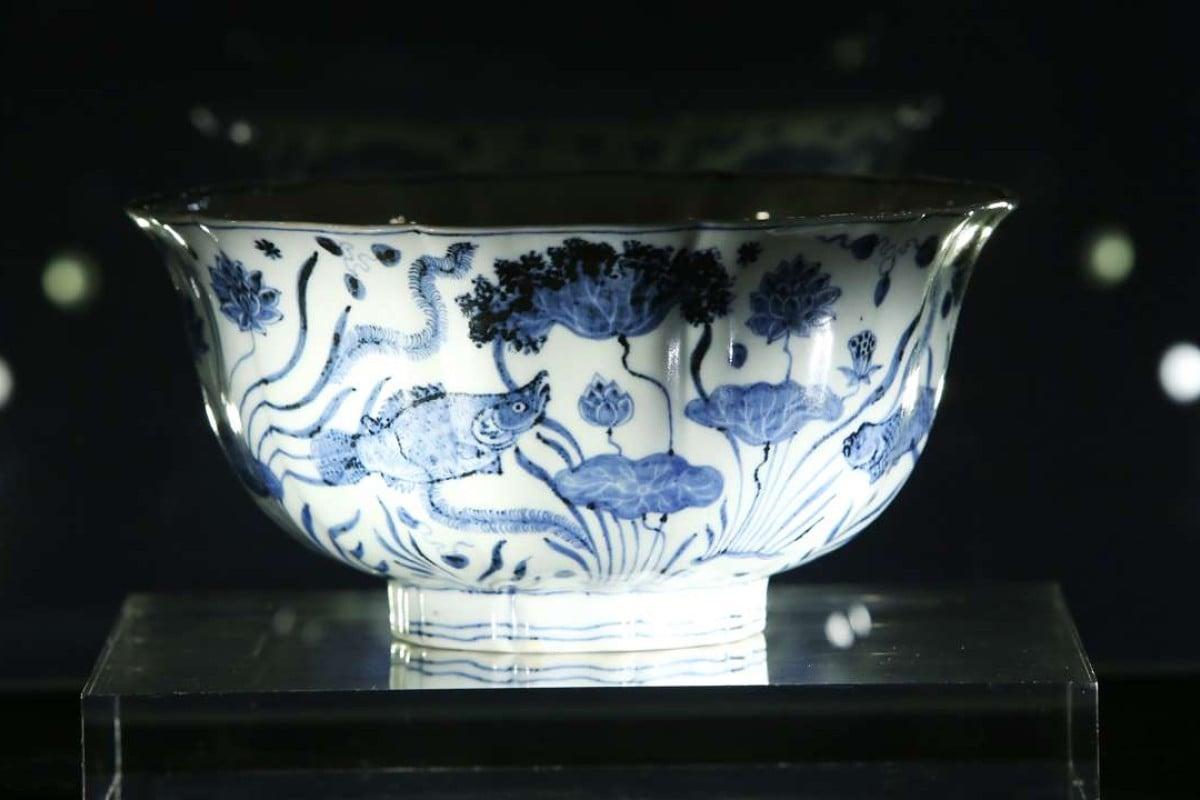 Chinese porcelain bowl sells in Hong Kong for HK$7 million