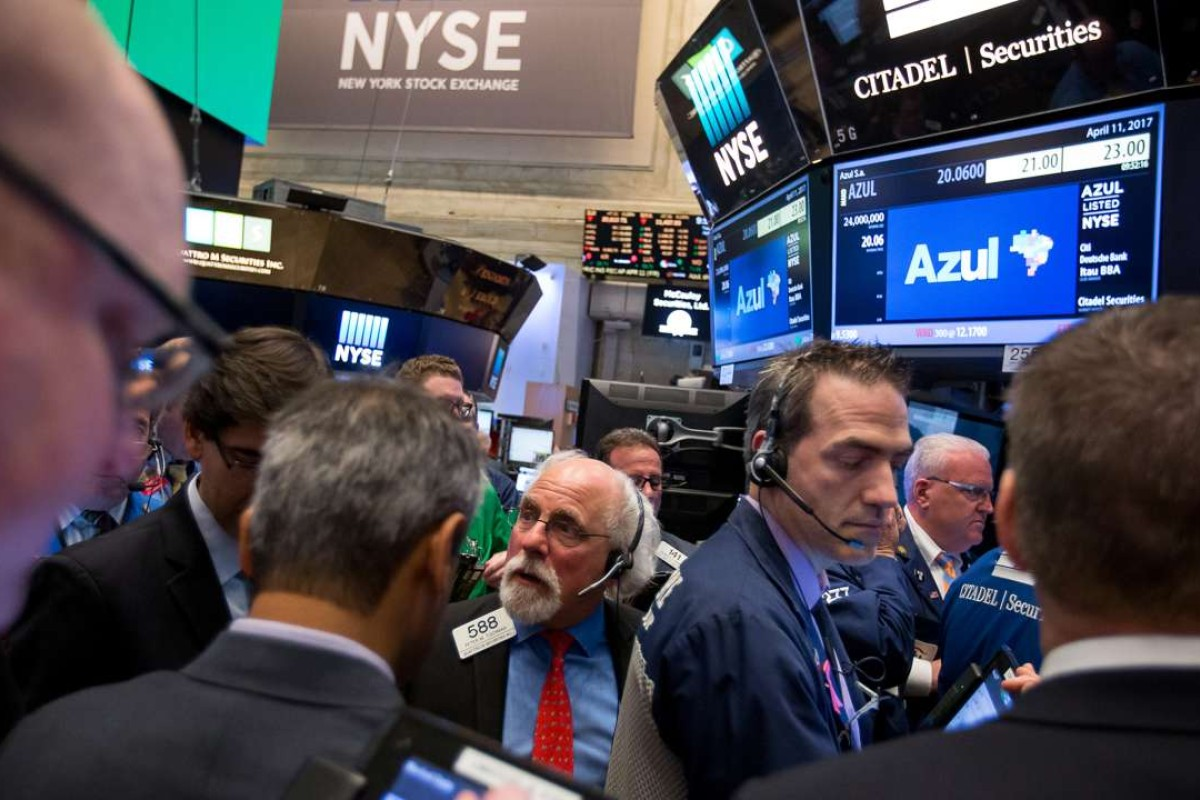 Wall Street ends week hounded by geopolitical worries and Trump