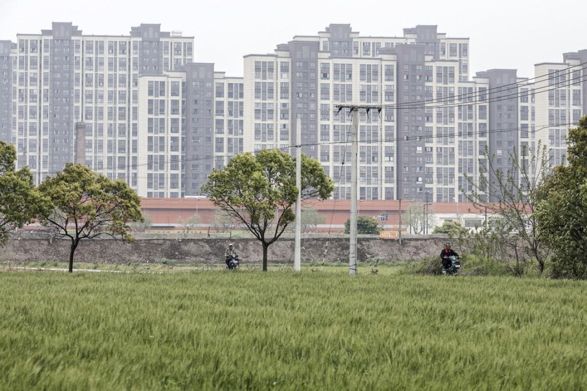 Chinese regulators tighten lending to property developers