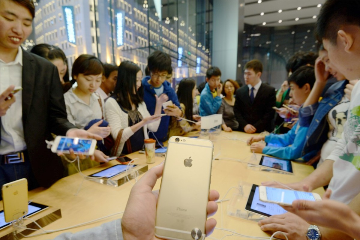 China's new graduates earn US$588 a month     less than the cost of