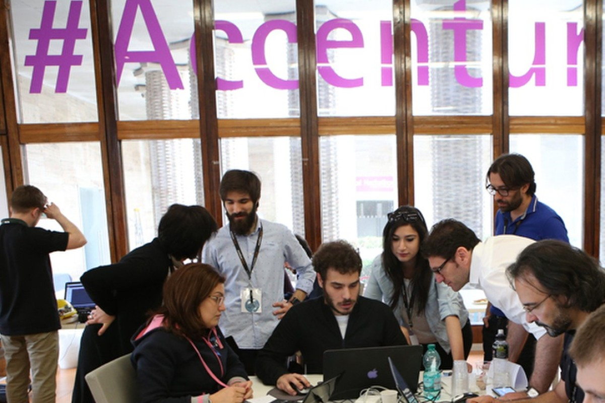 Accenture's FinTech Innovation Lab Asia-Pacific, being held in Hong Kong for the fourth consecutive year, selected the 10 for a 12-week mentorship programme, supported by 18 major financial institutions. Photo: SCMPOST