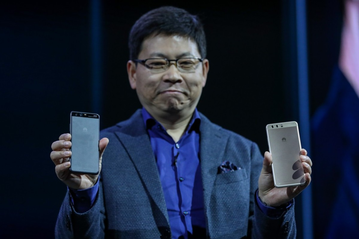 How Chinese smartphone makers compete with Samsung and Apple in