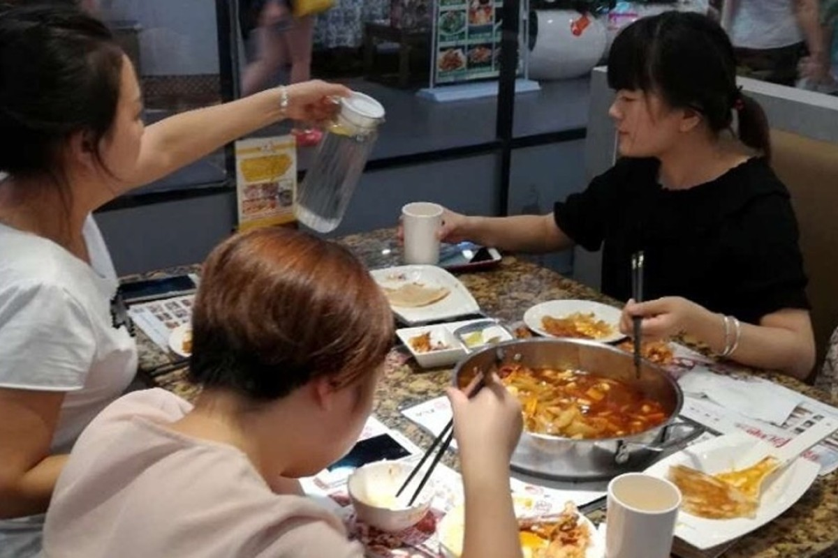 Xian diners flee restaurants amid tremors – leaving US$8,900