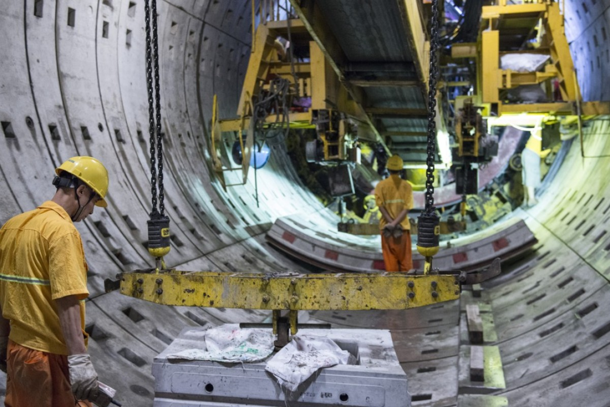 Shanghai Metro: keeping world's longest mass-transit rail