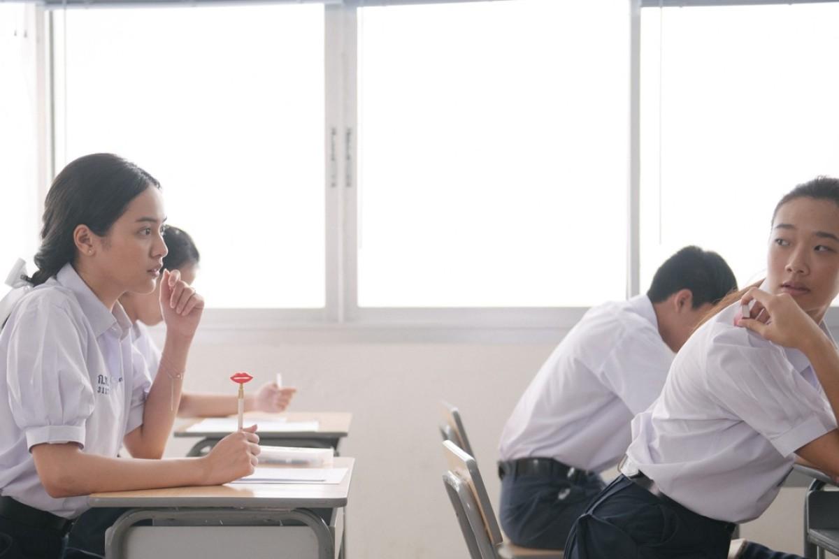 Chutimon Chuengcharoensukying (right) and Eisaya Hosuwan in Bad Genius (Category IIA; Thai), directed by Nattawut Poonpiriya.