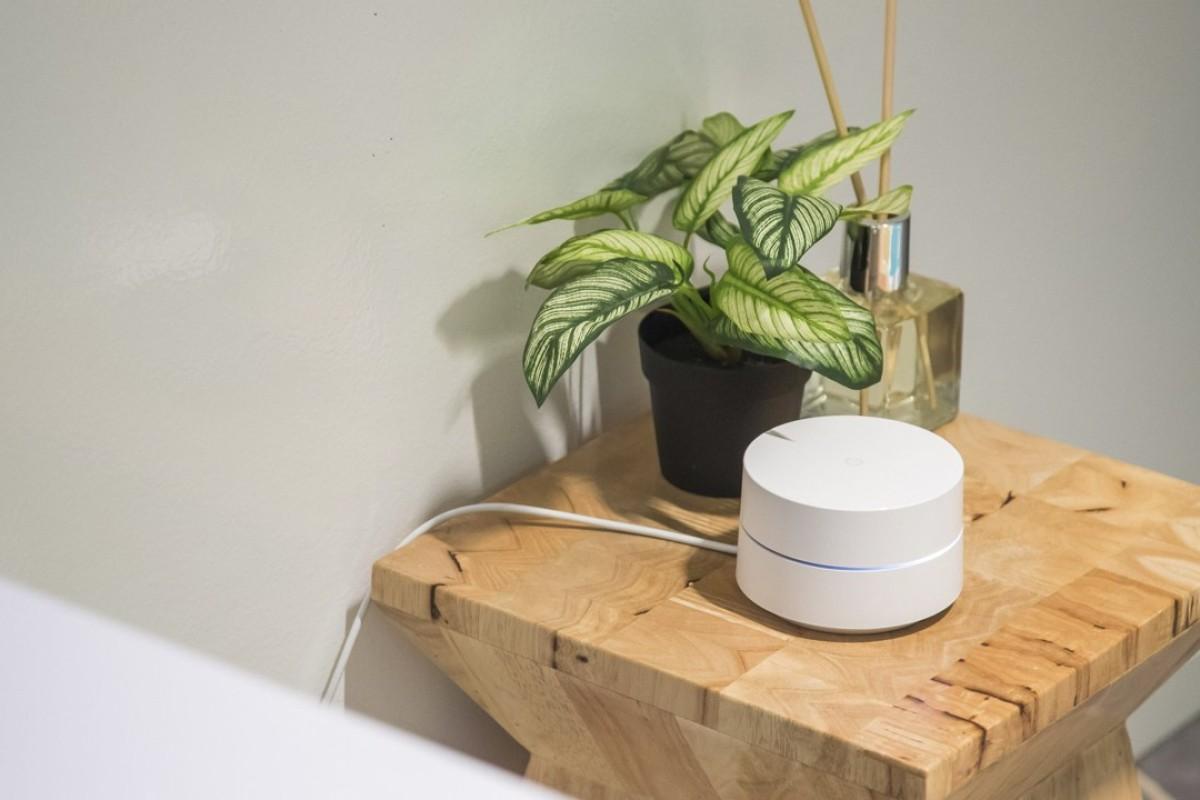 Tech review: sleek Google router will banish Wi-fi dead
