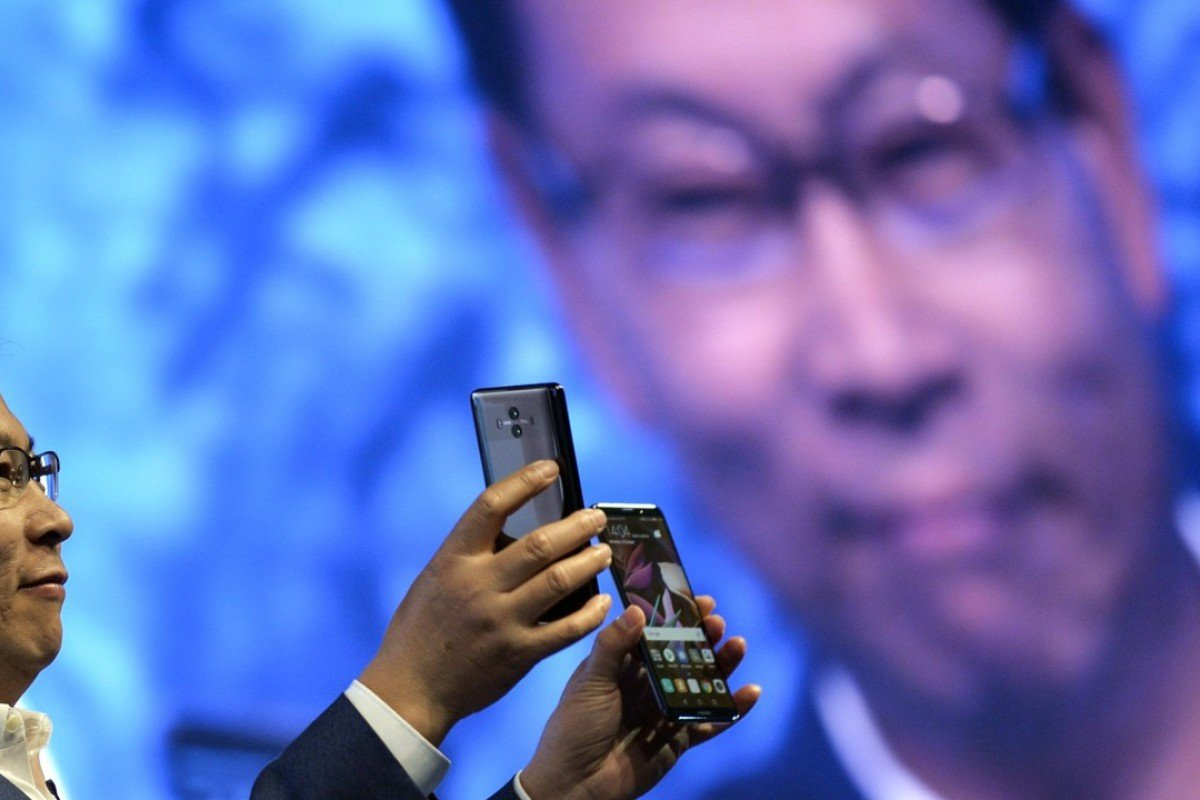 2bf85aa0896 China s Huawei bets on AI phone in challenge to Apple