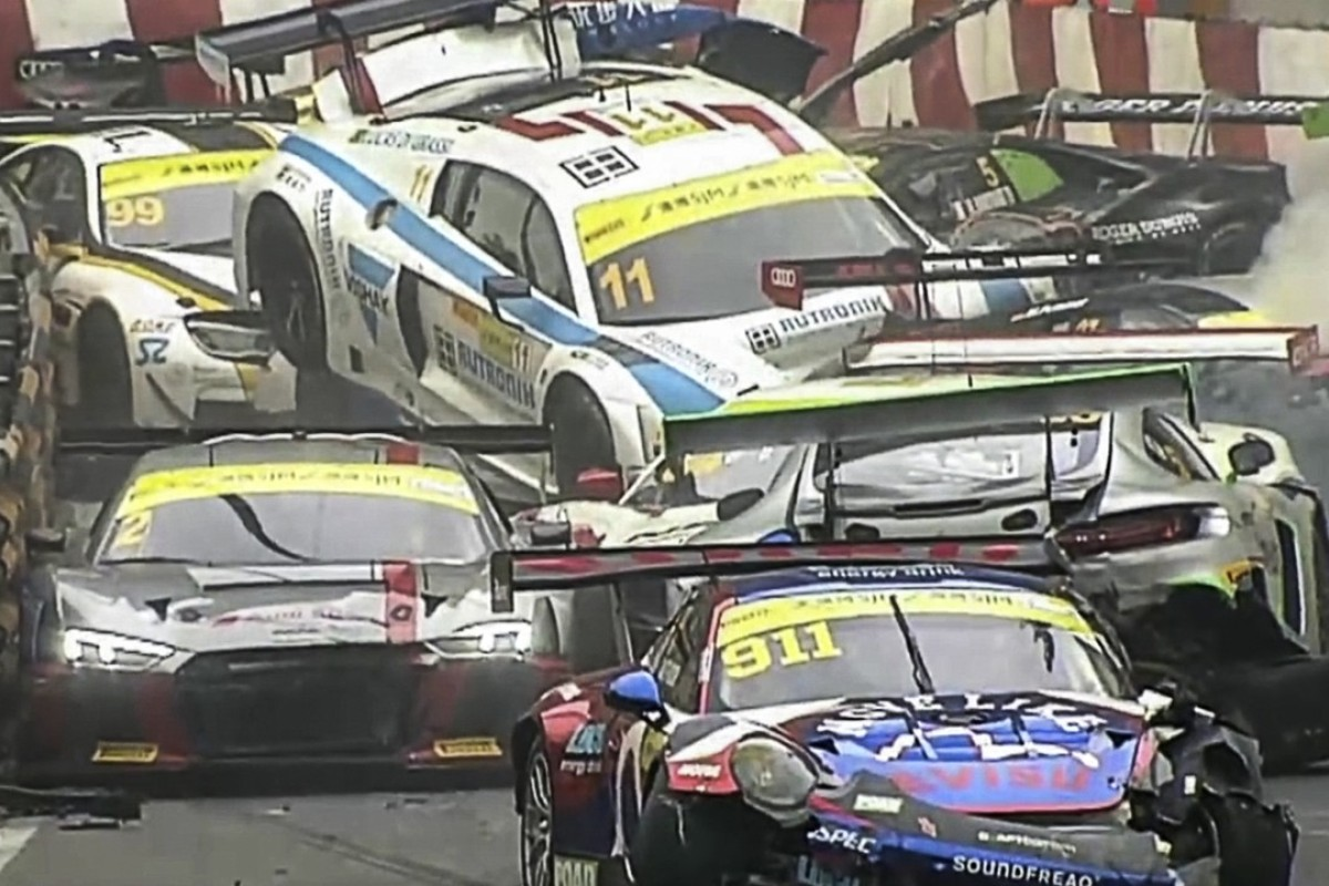 Macau Grand Prix 2017 >> I Was Lucky I M Happy To Be Alive Carnage As Cars Pile