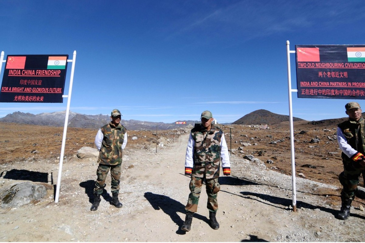 Indian soldiers keep watch at Bumla Pass on the border in Arunachal Pradesh, an area that China also claims. Photo: AFP