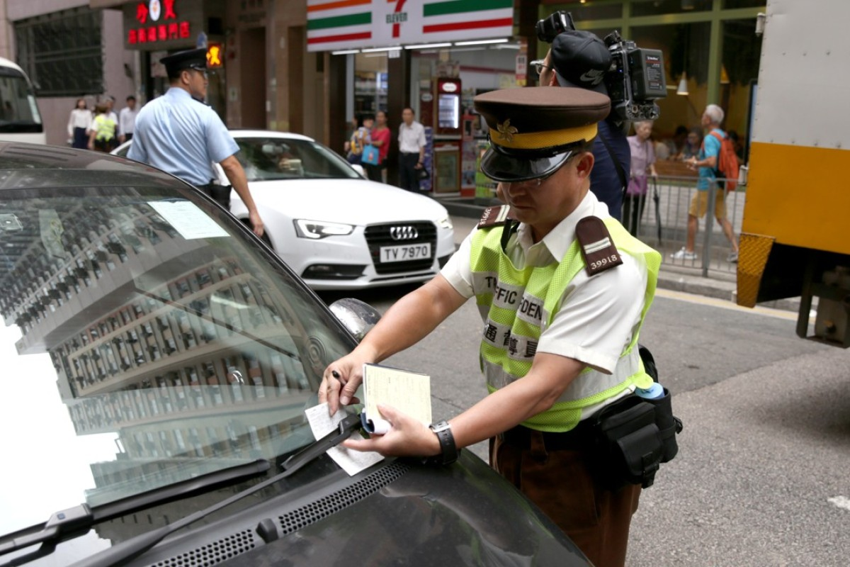 Hong Kong: why are parking spaces gold, while parking is so cheap?