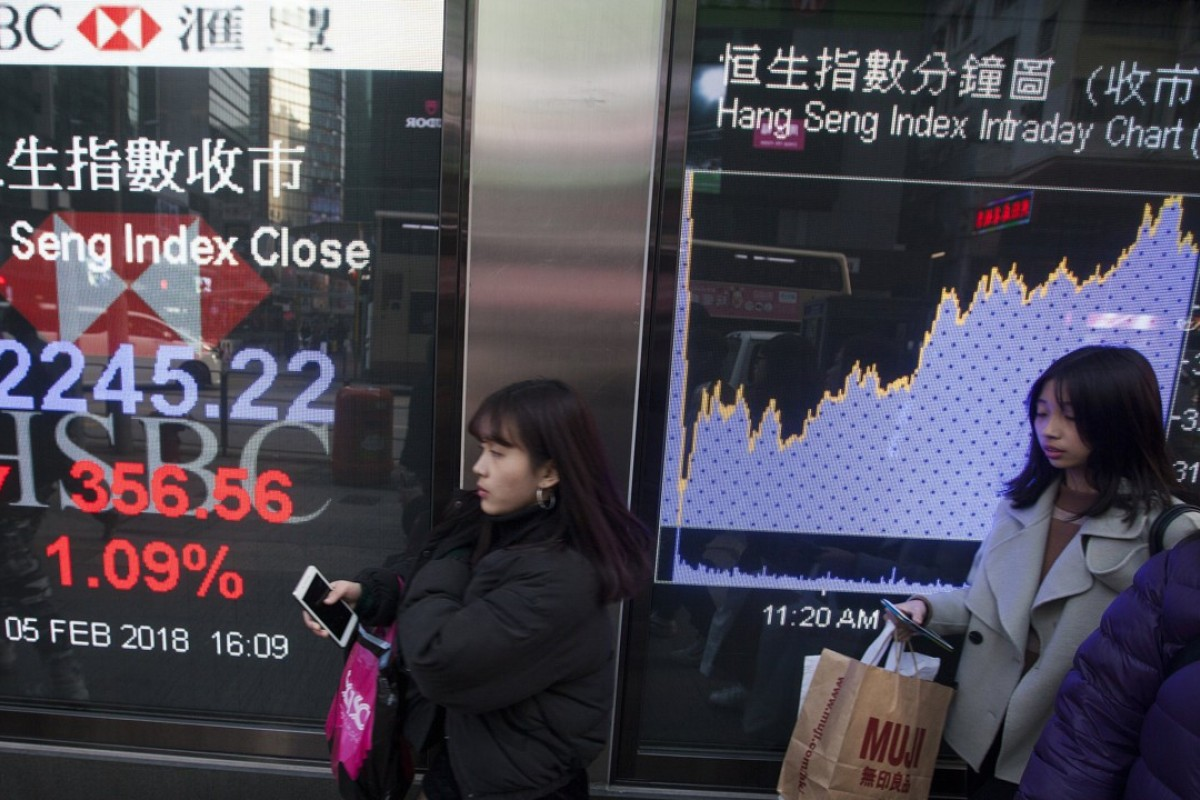 Hang Seng Index plunges 1,600 points amid 'panic selling
