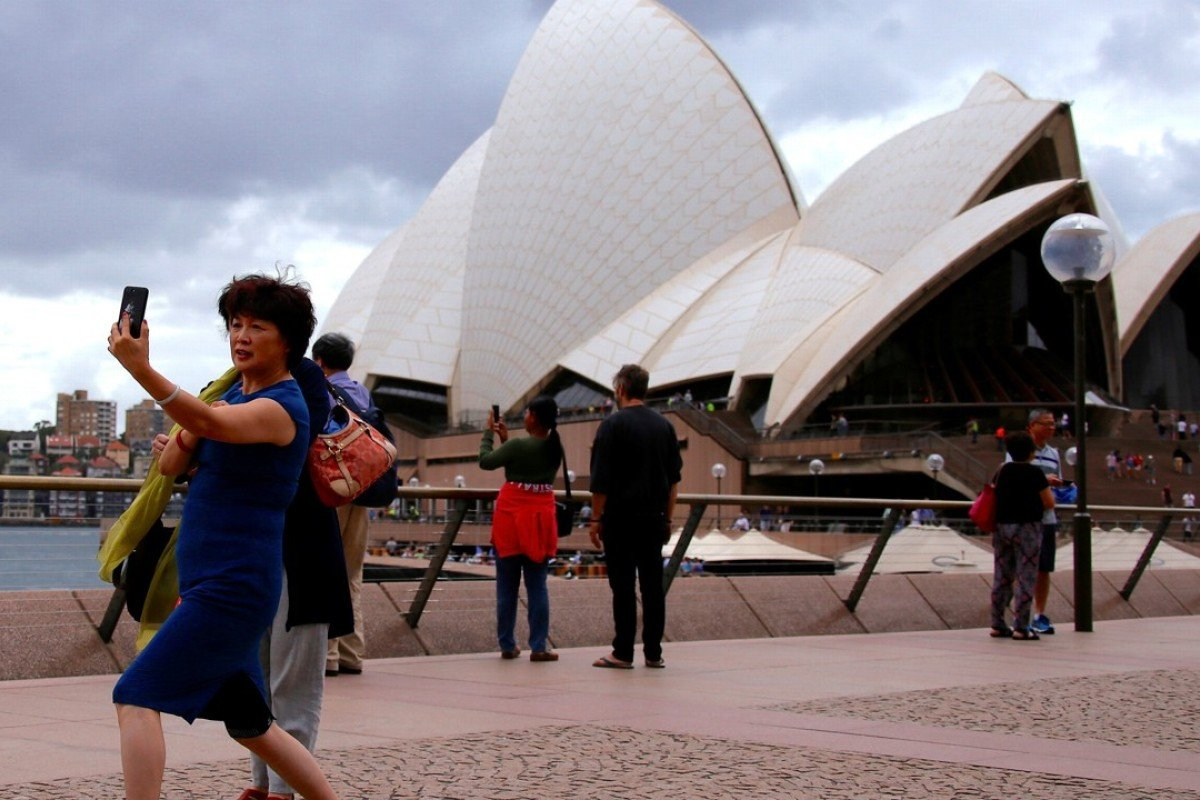 Chinese, Indian tourism to Australia hits record high