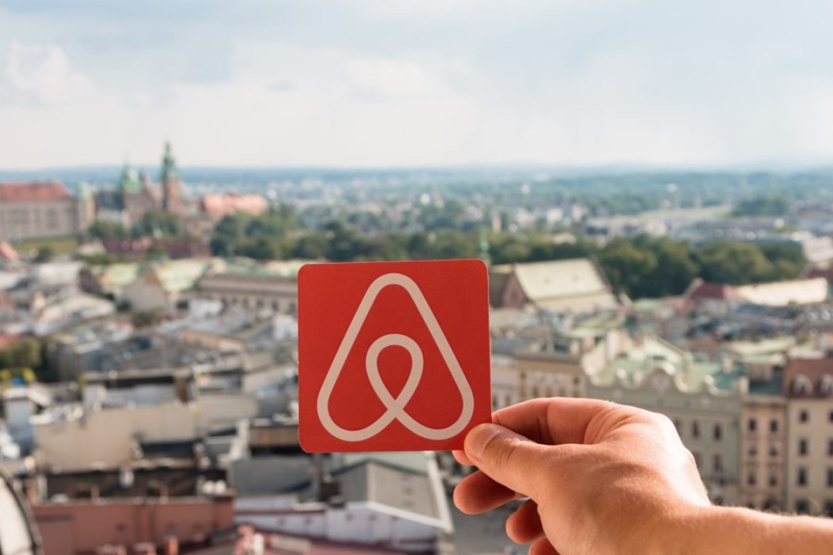 Airbnb eyes growth in China as it launches luxury services