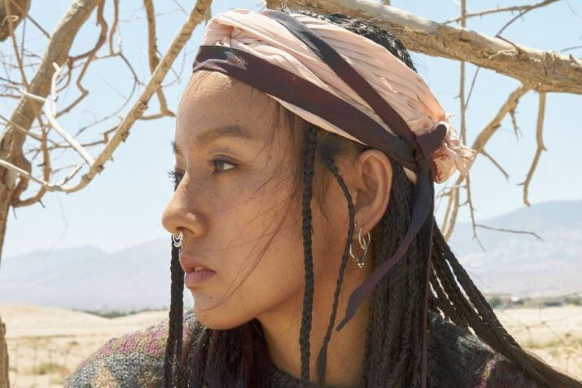 21b4bbe575b South Korean K-pop star Hyori in braids. She has made tanned skin acceptable
