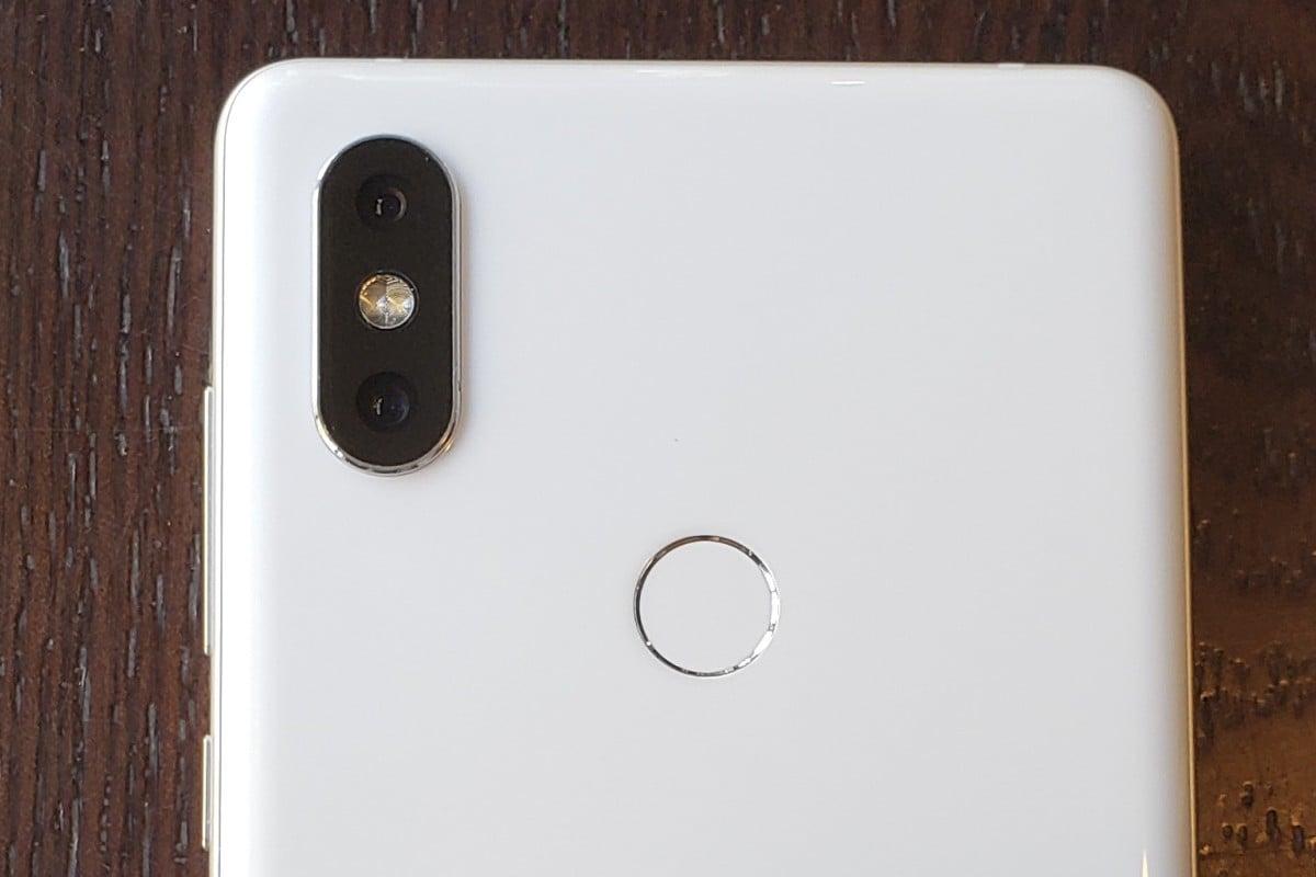 Xiaomi Mi Mix 2S first impressions: dual-camera set-up goes toe to