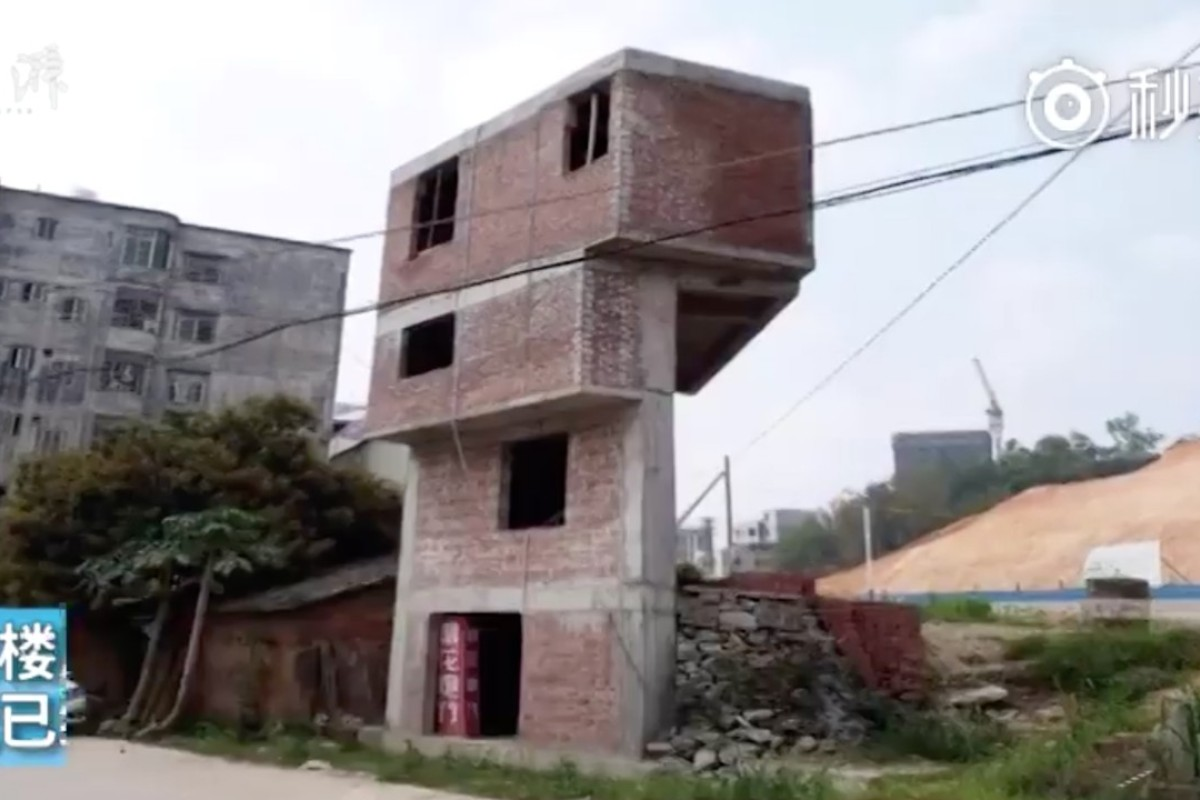 Creative Chinese Property Owner Fails To Save His Wonky