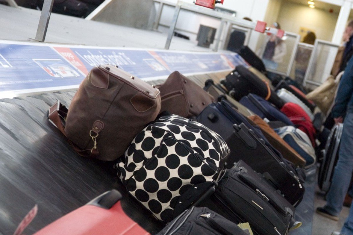7323f066e8f6 How to keep track of your things while travelling: the best tracking ...