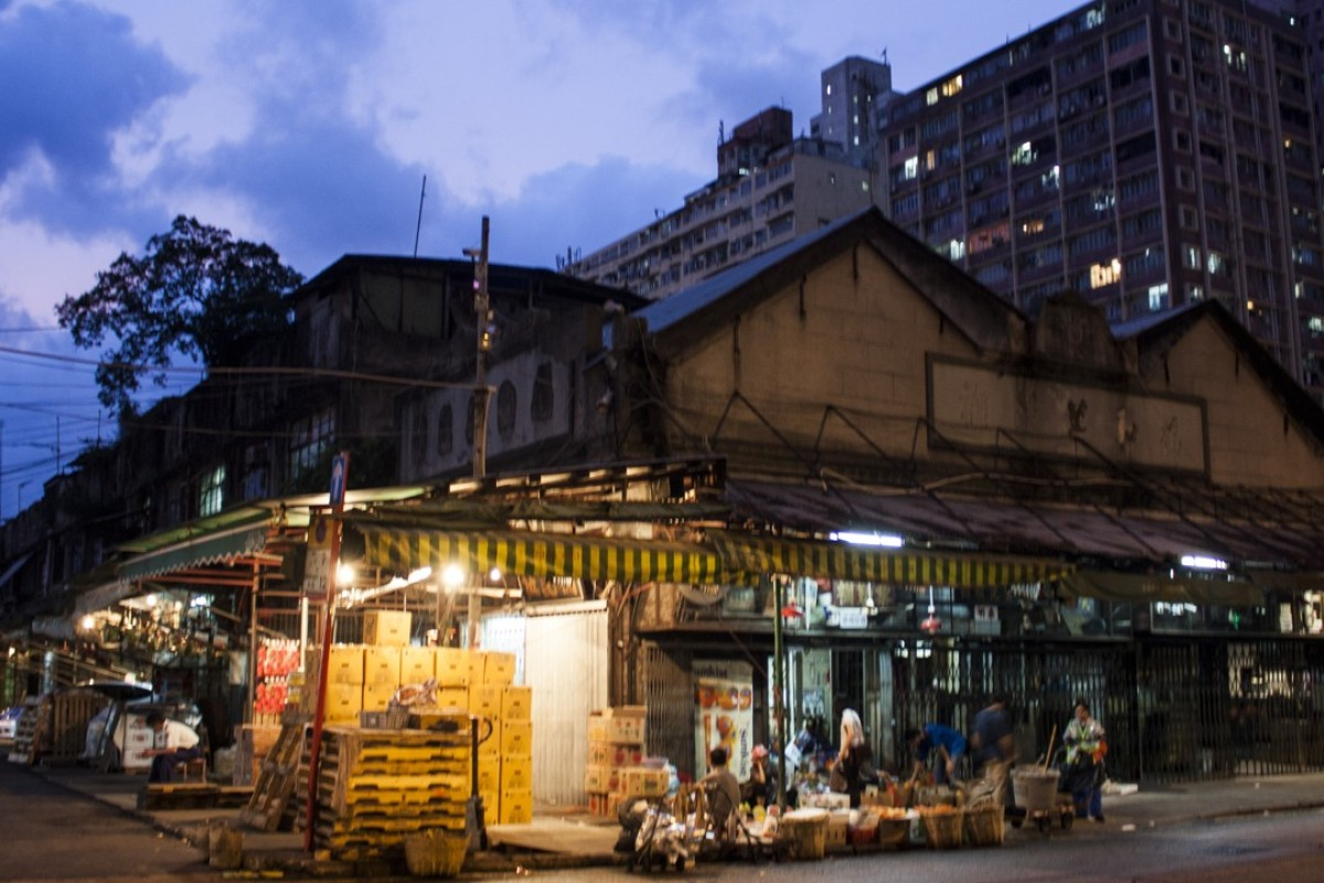 From mangoes to murders, Hong Kong wholesale fruit market in